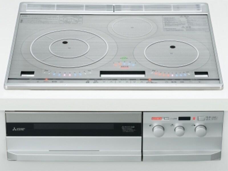 大口径コイルで鍋肌まで加熱し、加熱ムラを抑える。鍋のサイズに合わせて調理可能。ノンフライ調理や本格調理できる熱風循環式オーブンも。[IHクッキングヒーターCS-PT316HNSR] 三菱電機http://www.mitsubishielectric.co.jp/index_p.html