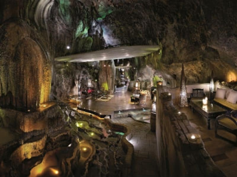 バンジャランリゾート、洞窟バー