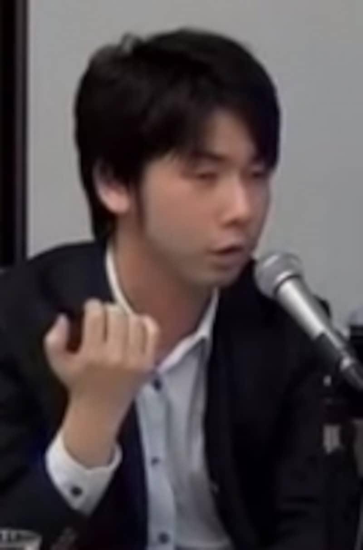 インタビュアー:司法書士試験ガイドundefined松本雅典(司法書士試験講師)