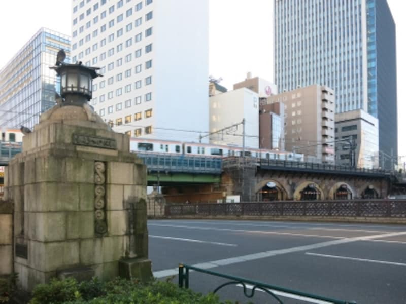 万世橋から見るJR中央線高架風景1undefined
