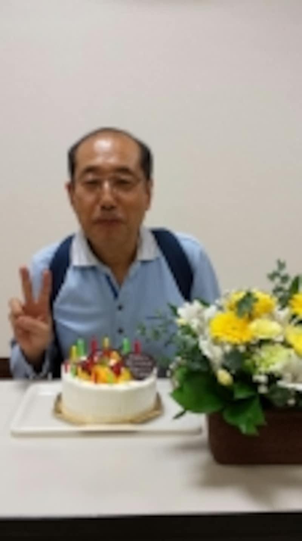 昨年10月に66歳のお誕生日を迎えた桐谷さん。東海東京証券の岡崎のセミナーで200名のお客様にハッピーバースデーを歌って祝ってもらいました