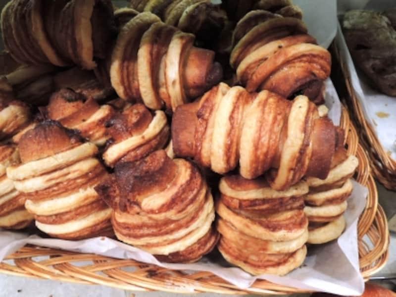「ミイラ」はラムをしみこませたパンをクロワッサンで巻いている