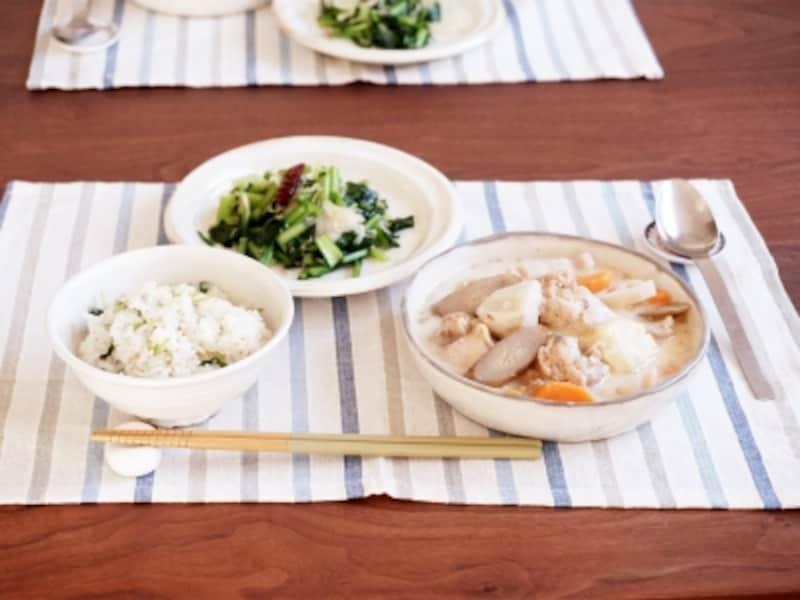 鶏手羽元と根菜の和風ミルクスープ定食