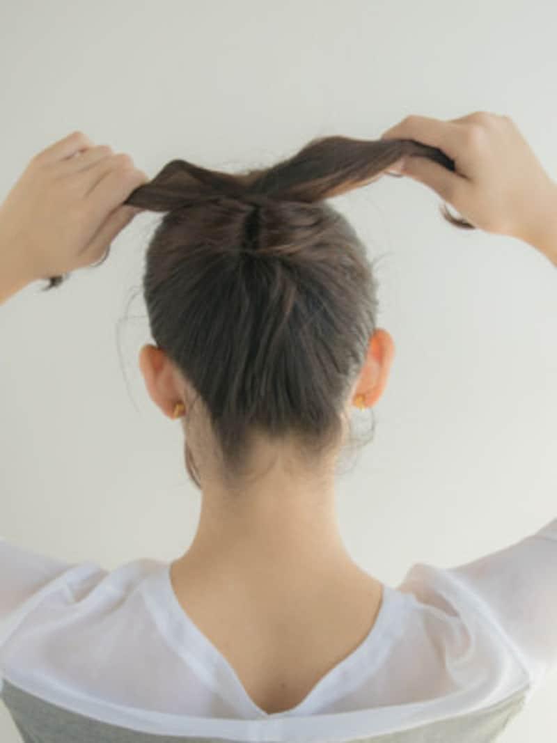 たるみが取れない場合は毛束を前後に分け、引っ張ると良い