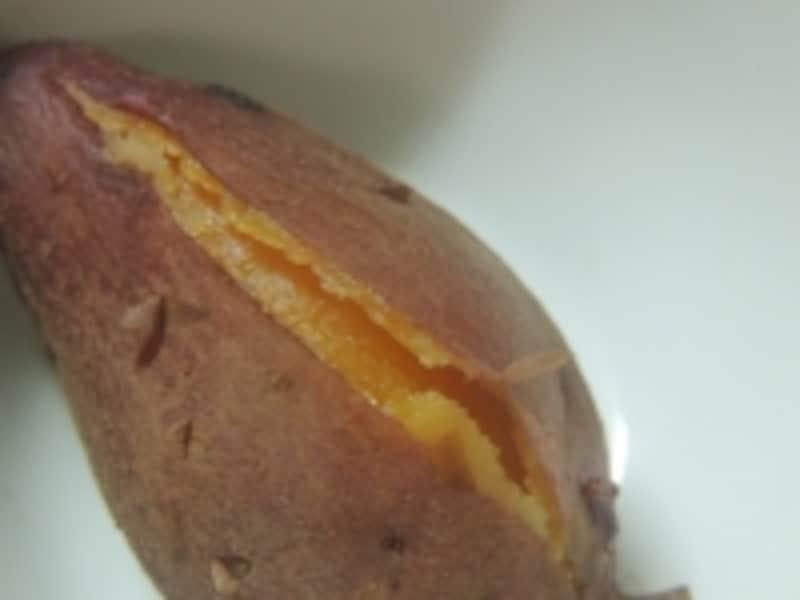 焚火でホッコリ焼き芋づくり