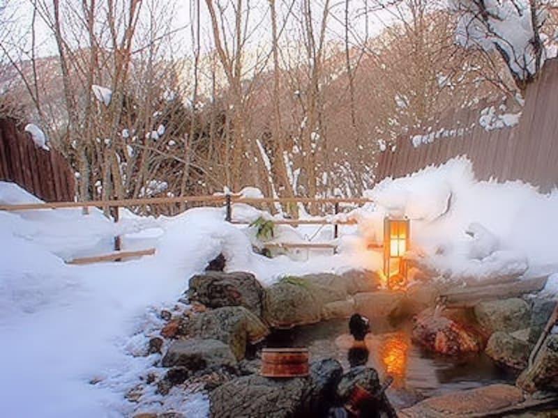 平湯温泉深山桜庵の雪見露天風呂