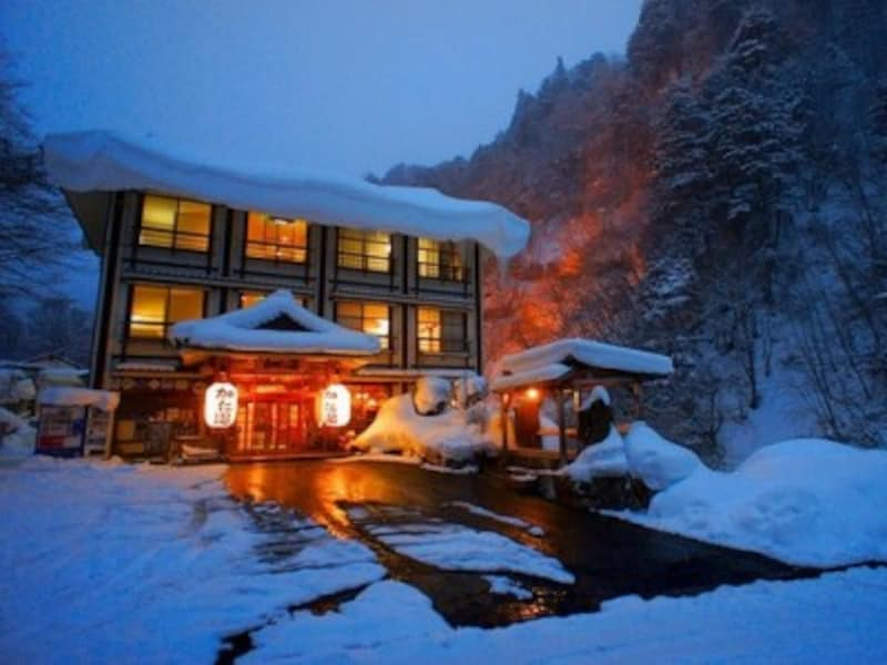 東京から近い雪見温泉 奥鬼怒温泉郷加仁湯の玄関