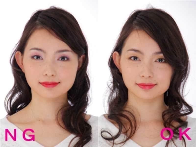 左:赤リップ×派手色アイメイクのNG例undefinedundefinedundefined右:赤リップ×濡れ感アイメイクのOK例