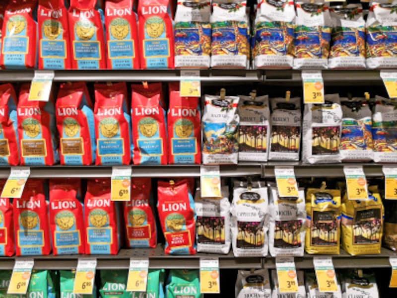 同じコーヒーブランドでも豆のグレード、フレーバーなど種類もいろいろ