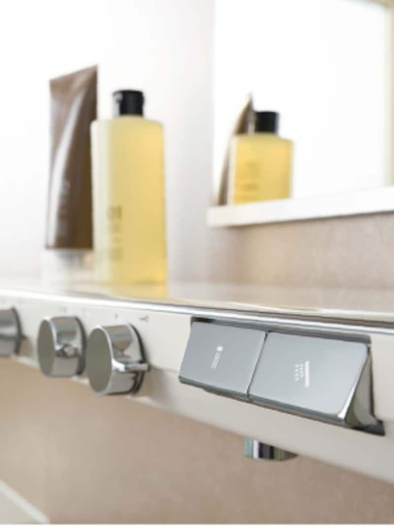 水栓が一体となったカウンター。すっきりとしたデザインが特徴。 [NEWシンラ カウンター]