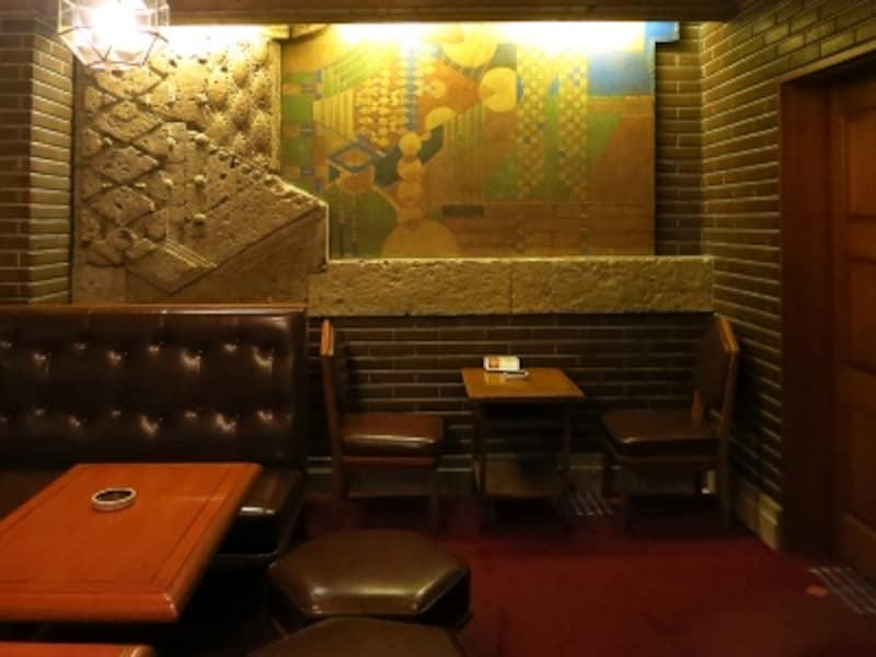 当時の壁画が残る壁面の画像
