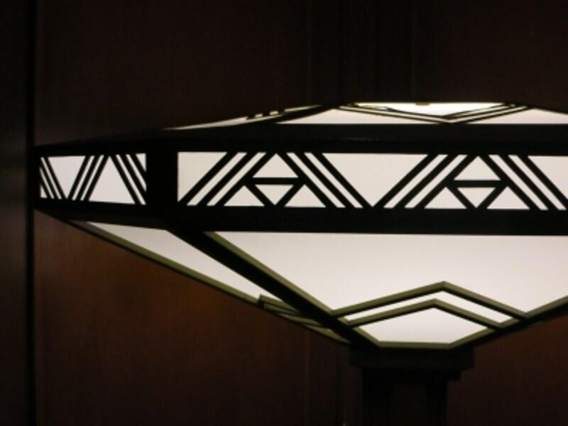 ライトがデザインしたライトスタンドシェードの画像