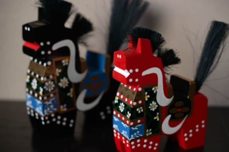 八幡馬。赤と黒のセットで。