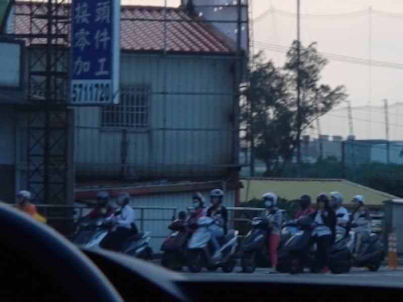 台湾は車よりも圧倒的にスクーターが多い