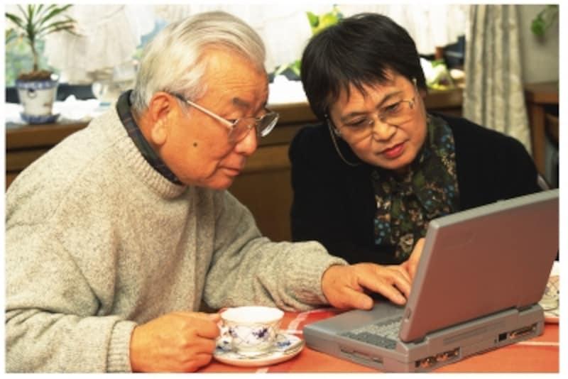年金でカバーできるのは生活費の7割くらい。貯金がないと厳しい!