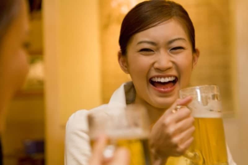 会話上手な人は人をよく笑わせます。でも、そのマネをしなくてもいいんです。