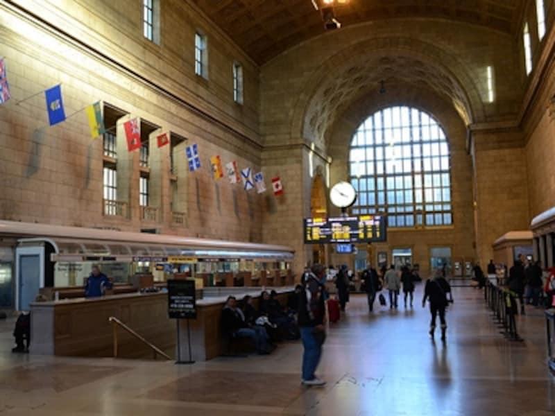 VIA鉄道のターミナル駅などは空港と同じくトイレあり