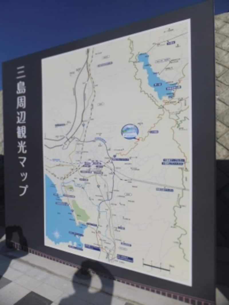 三島スカイウォークと三島、箱根の位置関係を示す地図