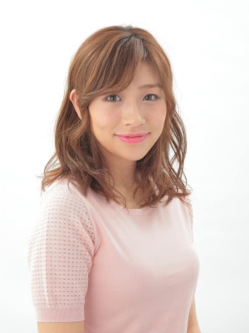 ひし形フォルム+前髪で最強小顔!
