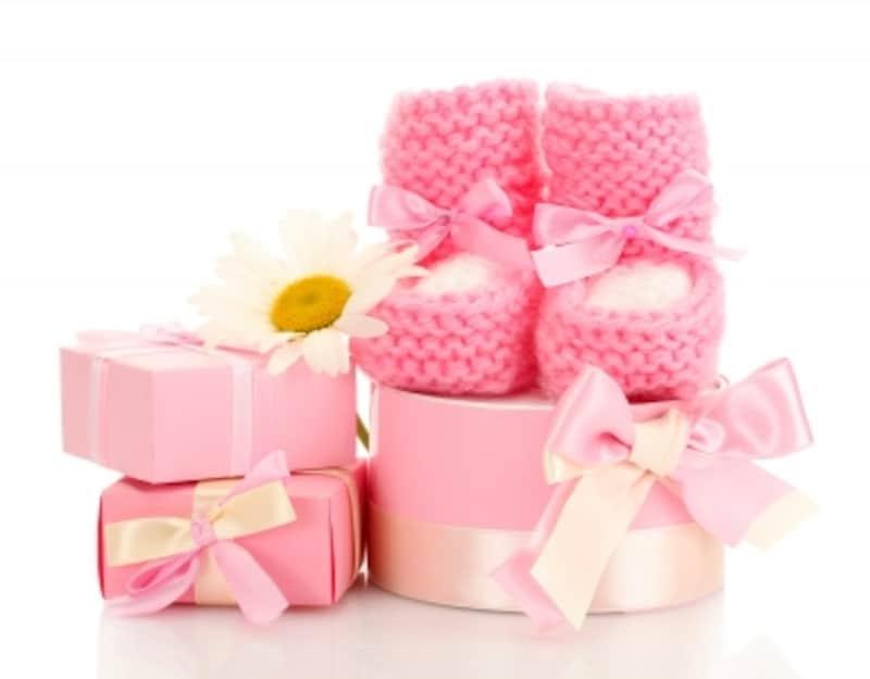 女の子ベビーのアイテムは、おもちゃだけでなくベビー服やヘアアクセサリーなどバリエーション豊富女の子ベビーのアイテムは、おもちゃだけでなくベビー服やヘアアクセサリーなどバリエーション豊富