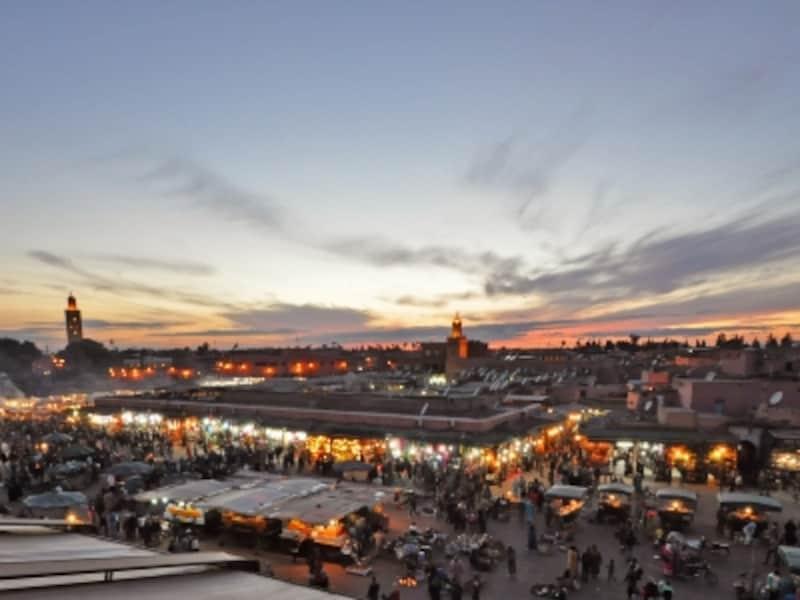 ジャマ・エル・フナ広場の夕景