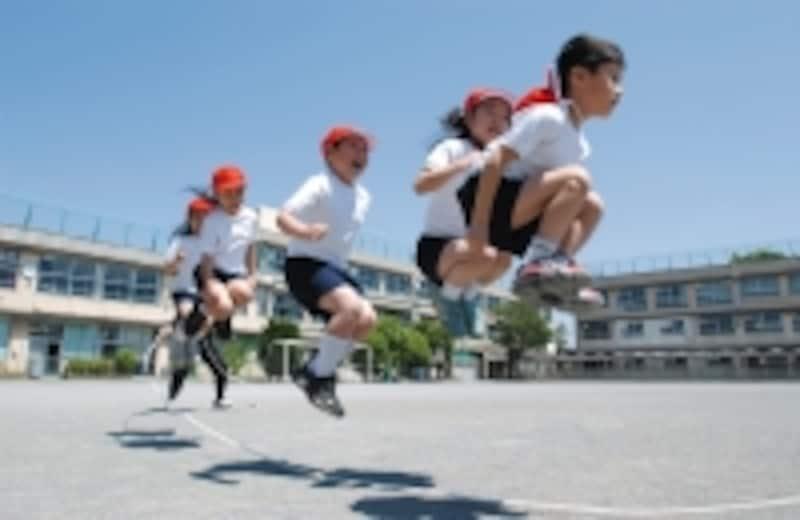 最近では子供の運動能力に開きが出てきているの図