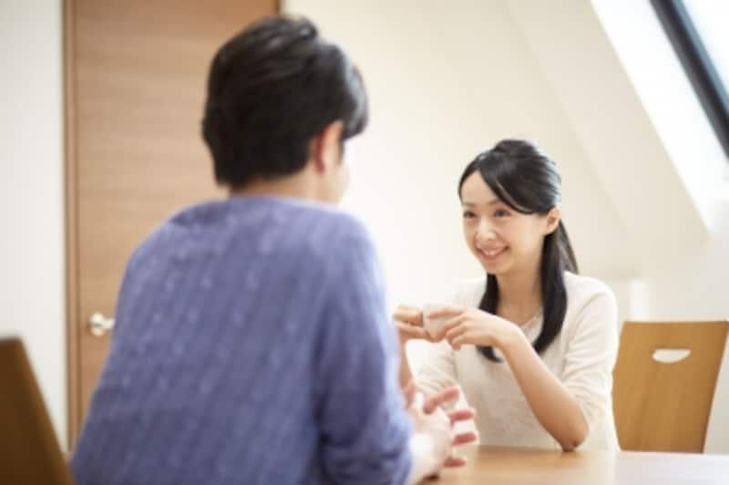 会話が楽しい女性は、心の距離も近づき、離れられないパートナーになっていきます。