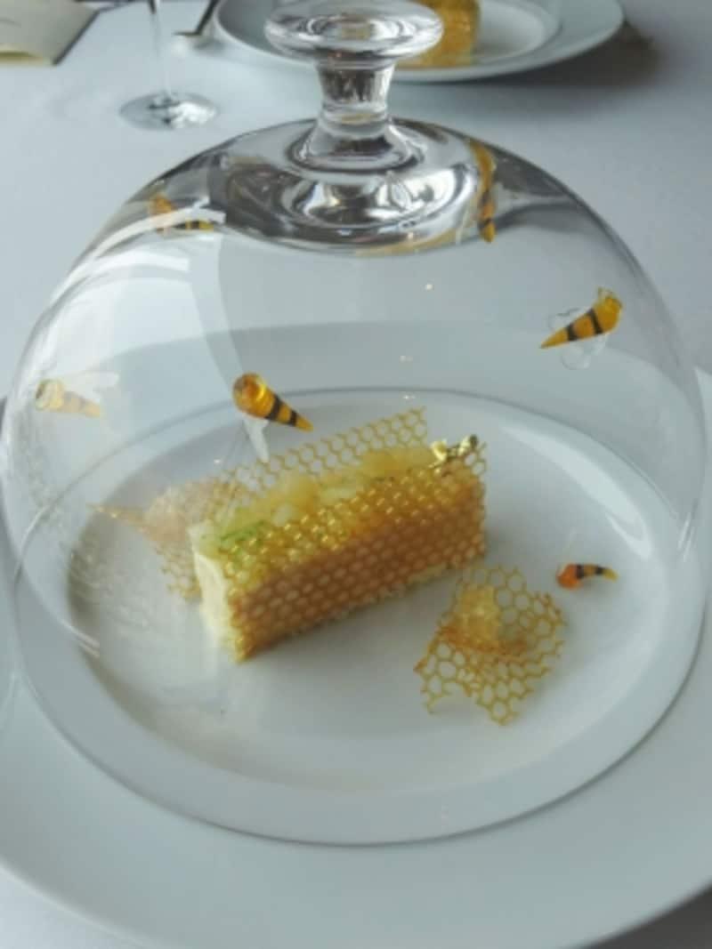 「ルミエル」の原形となった2014年のローラン・ジャナン氏のデザートフェアで提供されたデザート