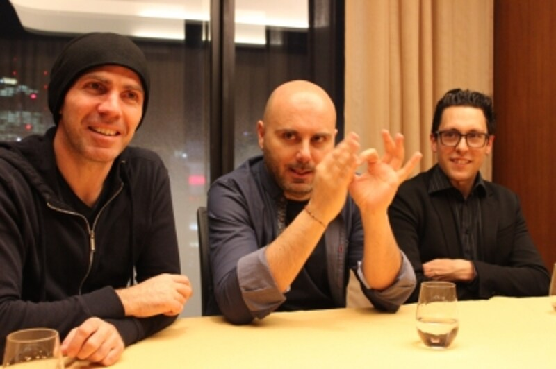 左から、ベースのルカ・ブルガレッリ、ドラムのマルチェロ・ディ・レオナルド、リーダーでピアノのクラウディオ・フィリッピーニ
