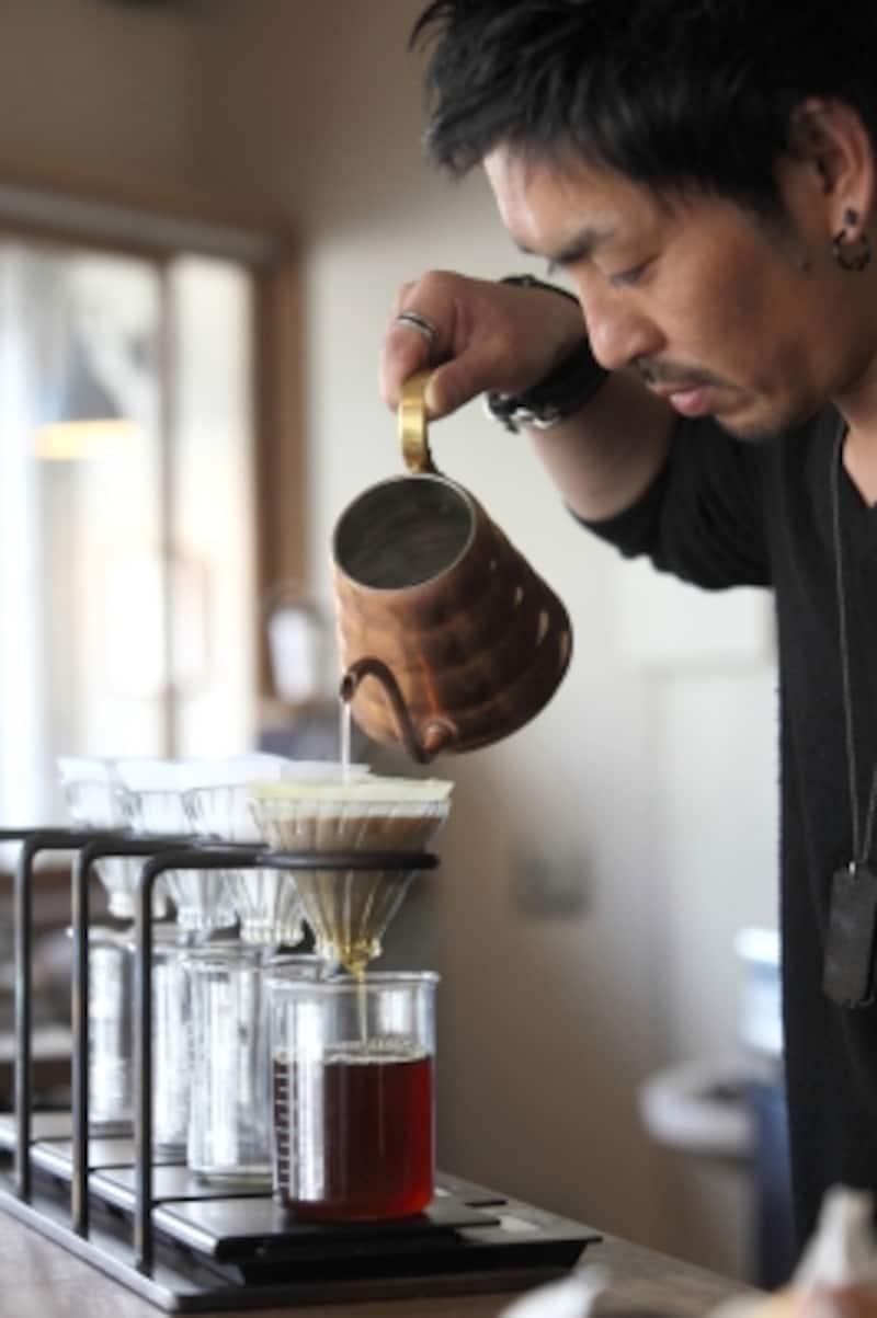 繊細な作業の積み重ねで作られる美味しいコーヒー