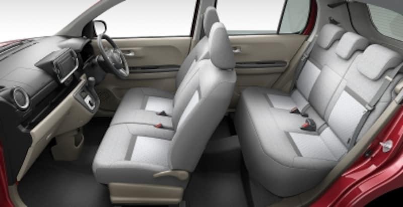 フルモデルチェンジにより前席と後席の間を75mm延長。従来型よりもゆとりある室内空間を確保している