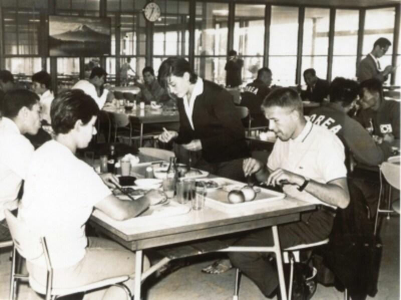 1964年東京五輪undefined選手村「富士食堂」