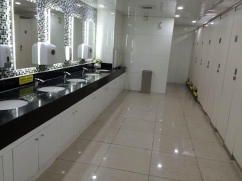 中国のトイレ事情「大都市のトイレ」