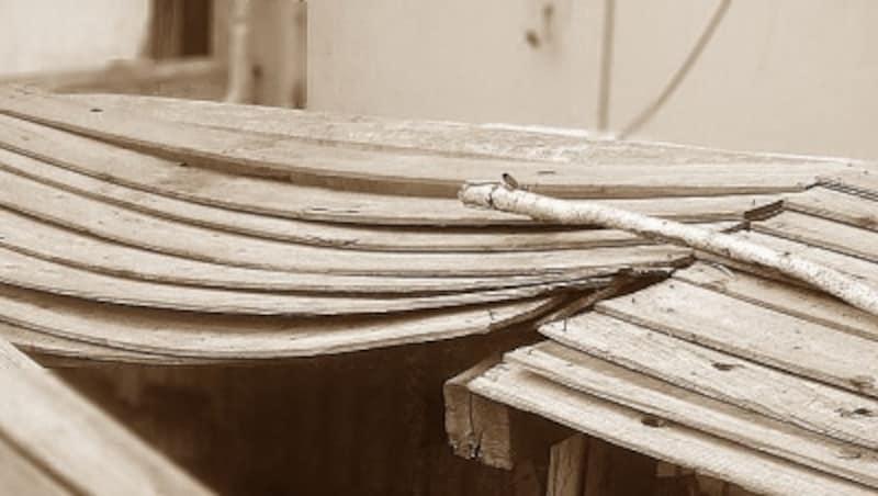 暴れ狂う木材