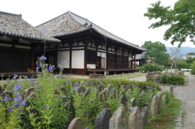 現在の元興寺(極楽坊)
