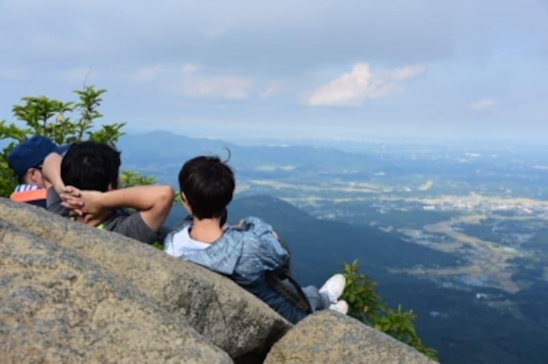 女体山(877m)山頂からの眺めは、まさに絶景!