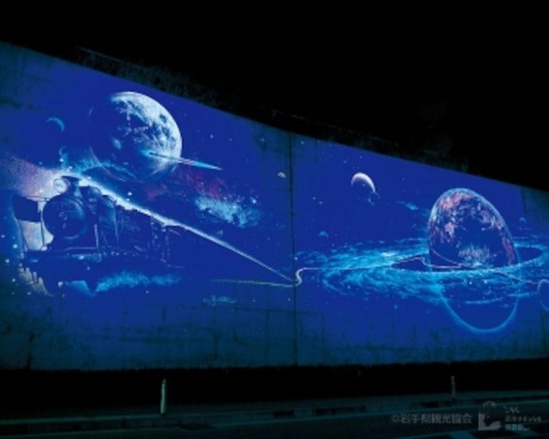 花巻駅そばの壁画