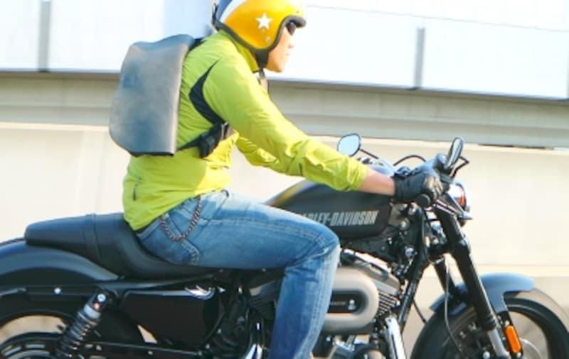 アウトドアやバイシクルのギアもバイクに似合う
