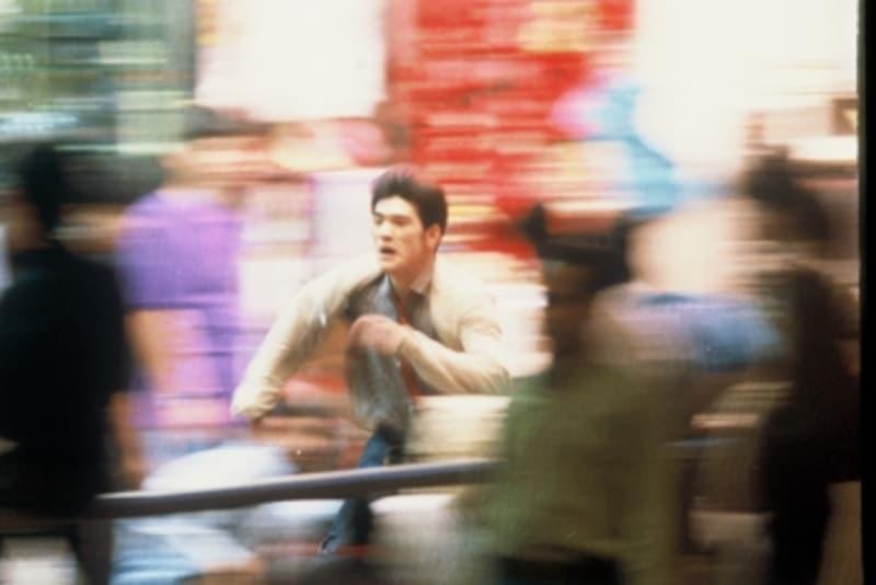 『恋する惑星』冒頭の金城武が疾走するシーンは重慶大廈。(C)1999,2008Block2PicturesInc.AllRightsReserved.
