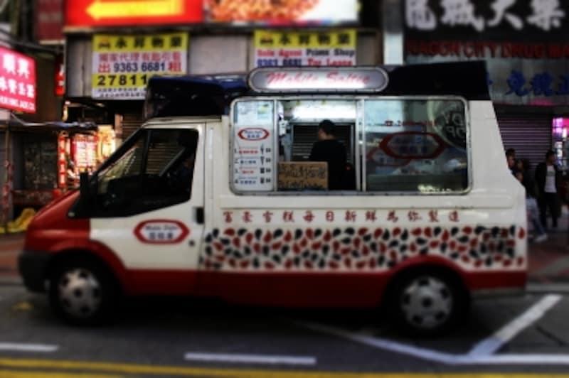 『天使の涙』で金城武にのっとられるアイスクリームカー。ソフトクリームはHK$8(約110円)