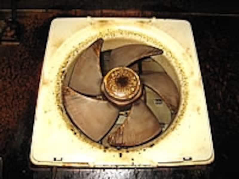 「直接排気式」のプロペラファン