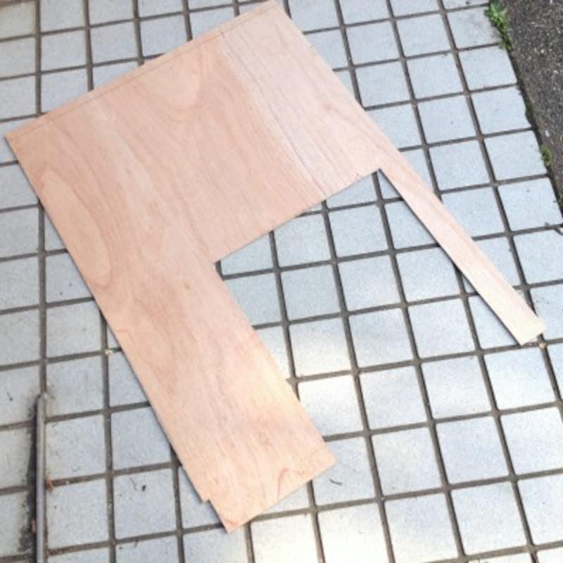 先に厚紙で型を取る方法もあります
