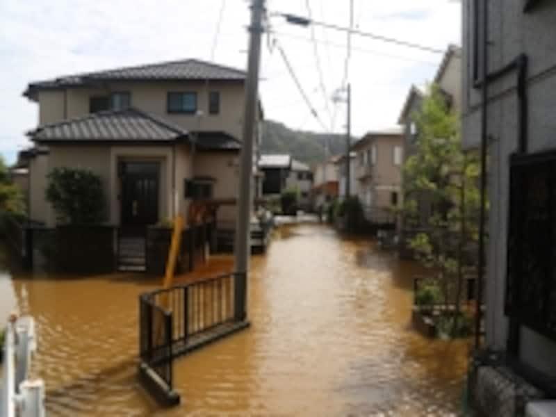 自然災害の影響で住宅ローンを返せなくなったら、その後の生活再建がとても厳しくなる