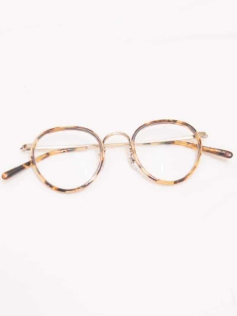 べっこうフレームのメガネ(スタイリスト私物)
