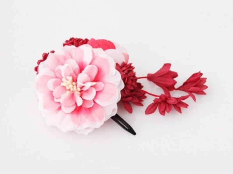 菊をモチーフにしたヘアクリップ