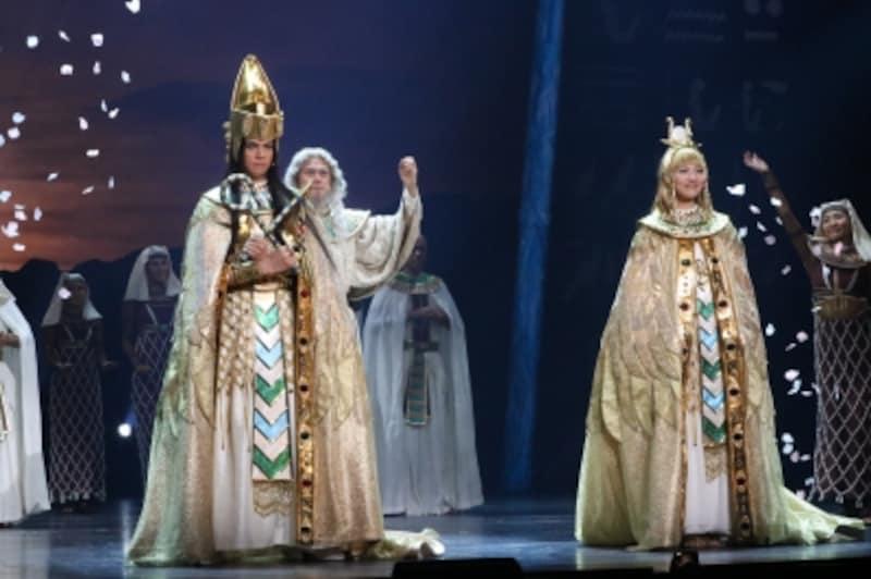 『王家の紋章』写真提供:東宝演劇部