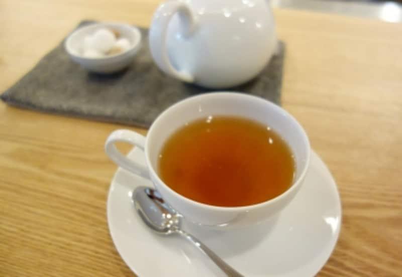 羽間農園さんの「自然発酵紅茶」