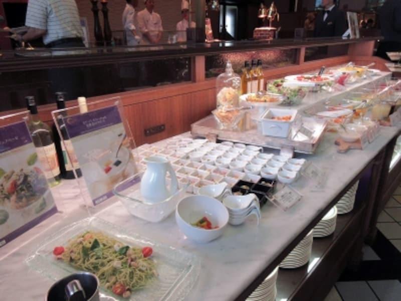 ナイト&デイ冷菜のブッフェ台