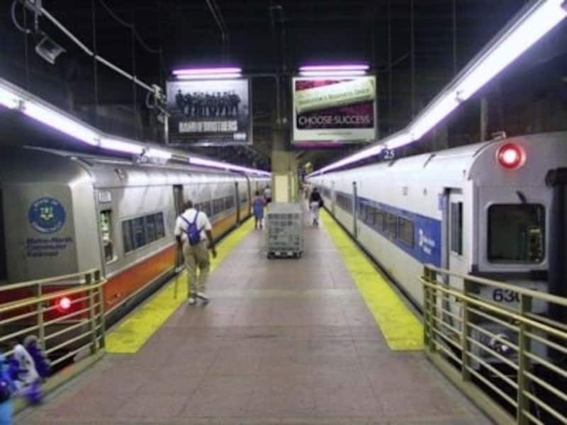 グランドセントラル駅から出発するメトロノース