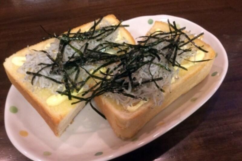 『鎌倉キネマ堂』の「しらすトースト」